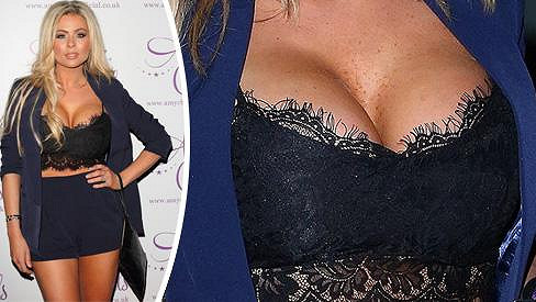 Nicola McLean předvedla erotický outfit.