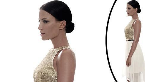 Gábina Partyšová na nových fotkách připomíná trochu figurínu z výkladní skříně.