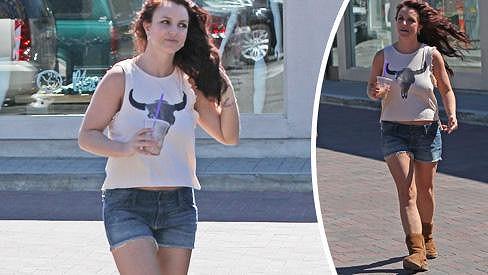 Britney by potřebovala poradit s nákupem oblečení.