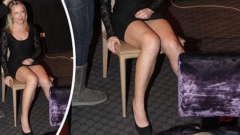 Martina Pártlová v roli modelky předvedla sexy nohy.