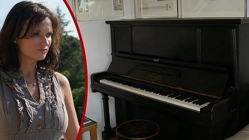 Jana Adamcová má doma klavír Petra Muka.