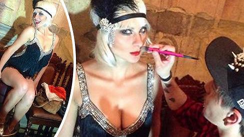 Tohle není Carey Mulligan, ale česká kráska Barbora Mottlová.