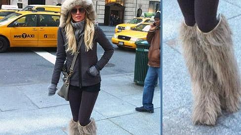 Simona se po newyorských ulicích procházela v těchto úchvatných botičkách.