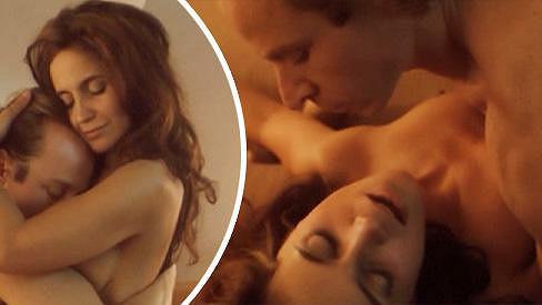 Lucie Bílá si milostnou scénu ve filmu Čas dluhů uměla patřičně užít.