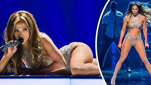 Jennifer Lopez září i ve 45 letech.