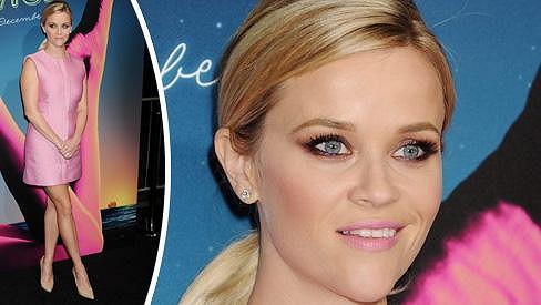 Reese Witherspoon to v růžové barvě vždy sekne.