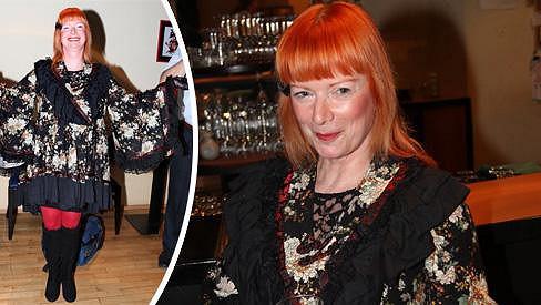 Bára Štěpánová se takto oblékla na křest Okamurovy knihy.