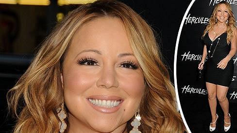 Maxi Mariah Carey v minišatech