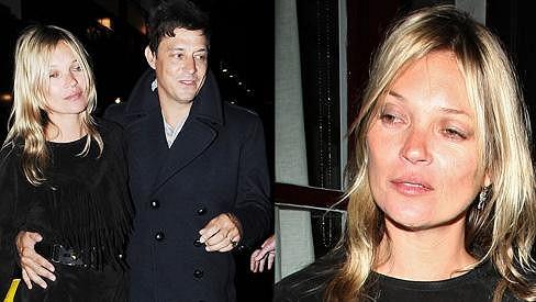 Kate Moss opět neukočírovala alkohol.