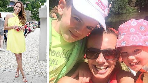 Alice Bendová si užila víkend ve Varech v šatech bez podprsenky i s dětmi na vodě.