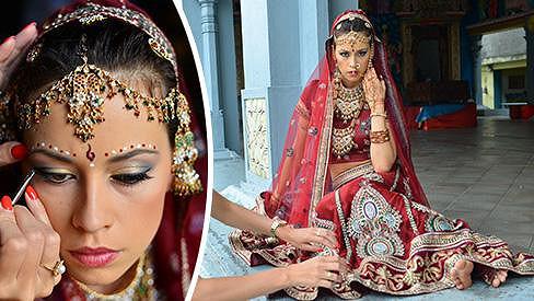 Česká modelka jako nevěsta v hinduistickém chrámu