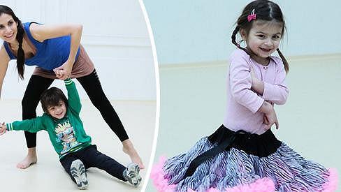 Eva Decastelo vede své děti k tanci.