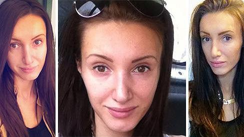 Bez líčení vypadá tmavovlasá sexbomba o dvacet let starší.