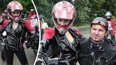 Lucie Bílá coby drsná motorkářka.
