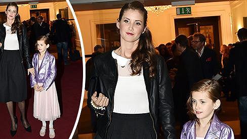 Dcera Jany Bernáškové začíná být mamince velice podobná.