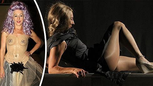 Vanda Hybnerová má kostým, v němž má vypadat jako nahá. Včetně pubického ochlupení.