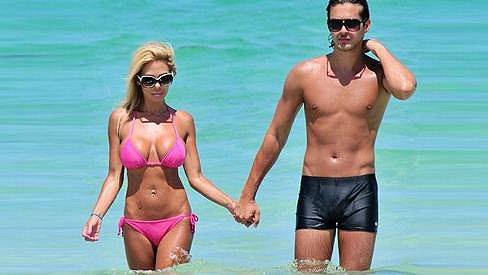 Bývalá Playmate s manželem Laurentem Homburgerem.
