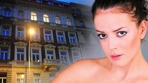 V tomto domě v centru Prahy hořel Andrein byt