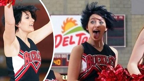 Paris Jackson během školního basketbalového zápasu předvedla své taneční pohyby.
