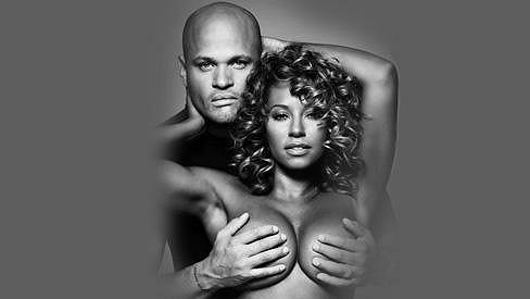 Mel B s manželem v kampani na prevenci rakoviny prsu.