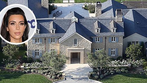 Kim, Kanye a North budou nejspíš již brzy bydlet v tomto luxusu se dvěma bazény.