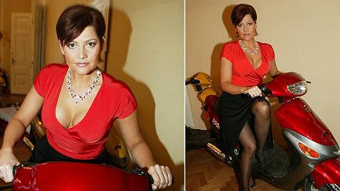 Ilona Csáková si před lety oblékala sukni jen občas.