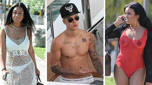 Justin Bieber a jeho nové kamarádky...