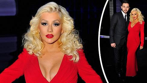 Christina Aguilera je konečně opět sexy.