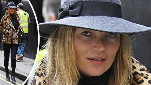 Kate Moss na nákupech v Londýně.