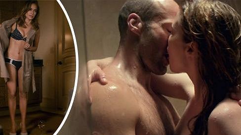 Jennifer Lopez v intimní scéně z filmu Parker.