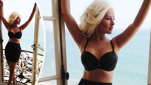 Christina Aguilera vypadá den ode dne lépe.