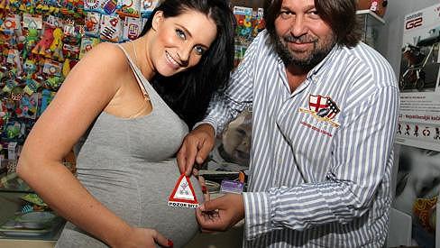 Andrea Pomeje se už brzy stane maminkou.