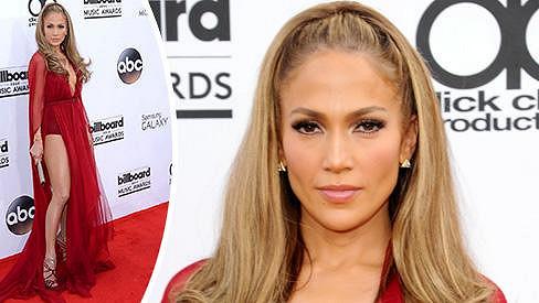 Jennifer Lopez má stále výstavní křivky.