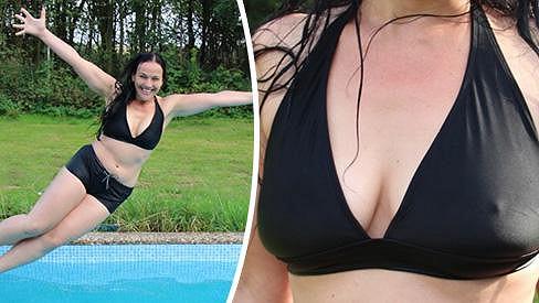 Jana si cachtání v celkem studeném bazénu užila.
