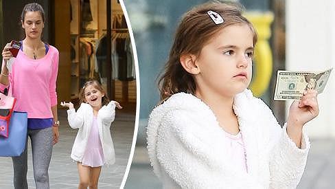 Dcerka Alessandry Ambrosio je po mamince.
