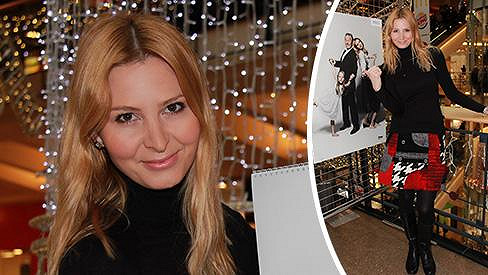 Ivana Gottová podepisovala kalendář.
