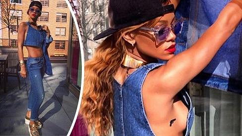 Rihanna se opět pochlubila svou odvážnou fotografií.