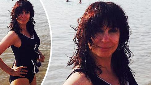 Nela Boudová zapózovala v plavkách.
