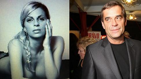 Miroslav Etzler randí s touto půvabnou blondýnou.