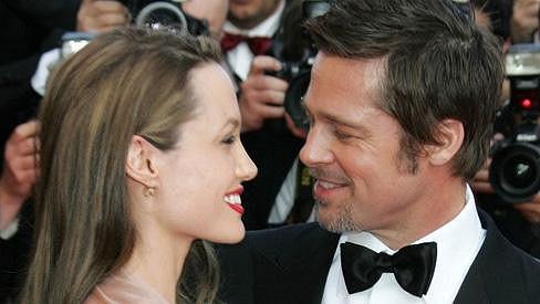 Brad Pitt má oči jen a jen pro svou milovanou Angelinu.
