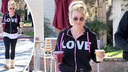 Britney Spears je sama.
