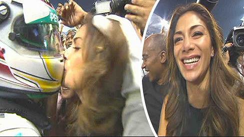 Nicole Scherzinger slavila titul svého přítele Lewise Hamiltona.