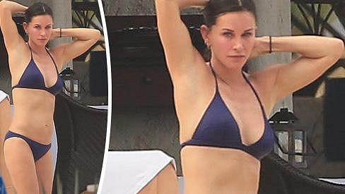 Courteney Cox má luxusní postavičku.