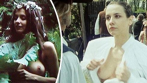 Mladičká Veronika Freimanová si zahrála v několika odvážných scénách.