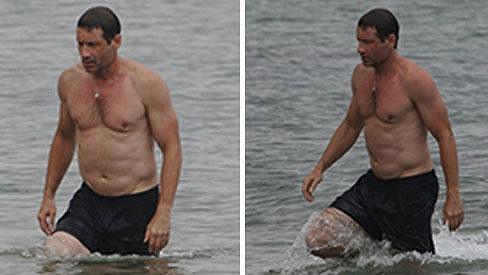 David Duchovny se v 53 letech předvedl v plavkách.