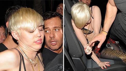 Miley Cyrus po nočním tahu Londýnem.