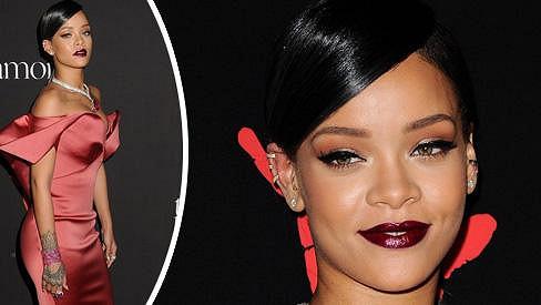 Rihanna opravdu nevypadala jako těhotná žena.