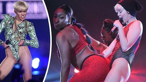 Koncerty Miley Cyrus by měly být mládeži nepřístupné.