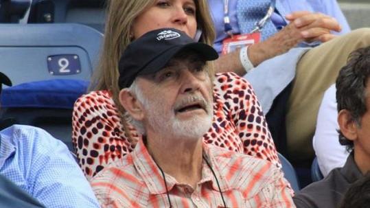 Sean Connery v hledišti tenisového turnaje US Open