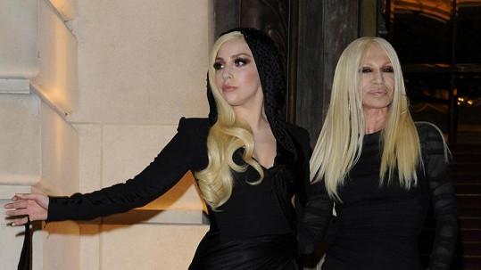 Lady Gaga a Donatella Versace